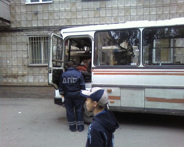 Пожилая томичка попала под маршрутный автобус из-за невнимательности водителя