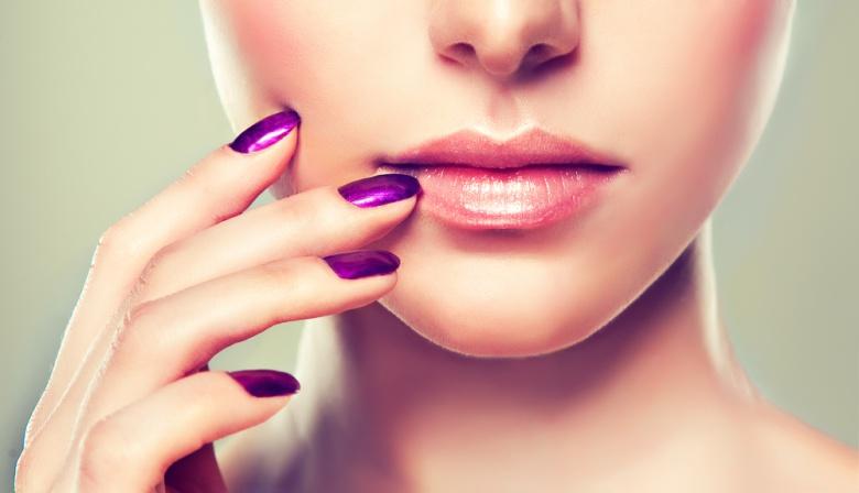 От чего трескаются уголки рта