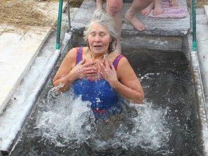 Мороз в Крещение — не помеха! (фото)