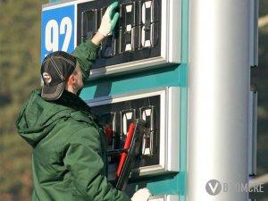 Заправщики подняли цены на бензин