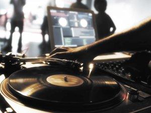 Горожанам предложили сообщать о нарушении авторских прав музыкантов