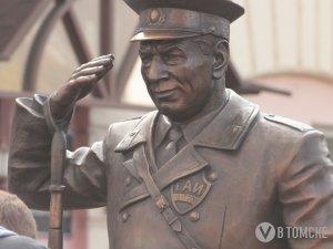 Регулировщик Николай Путинцев снова занял свой пост (фото)